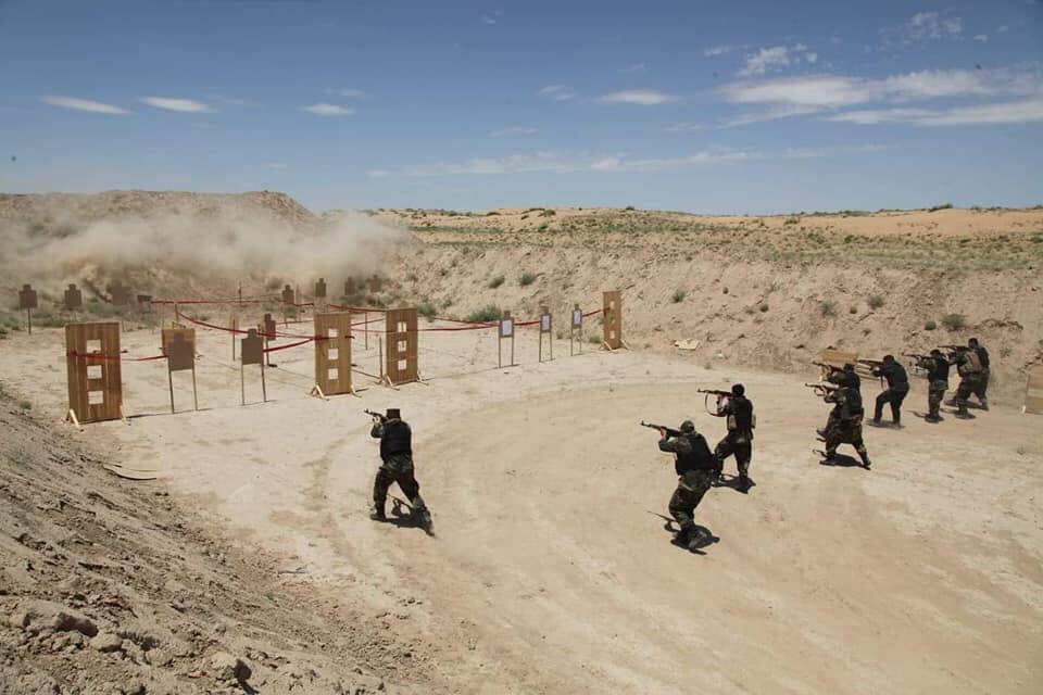 جنرال دوستم 12 - تصاویر/ قدرت نمایی جنرال دوستم برای طالبان