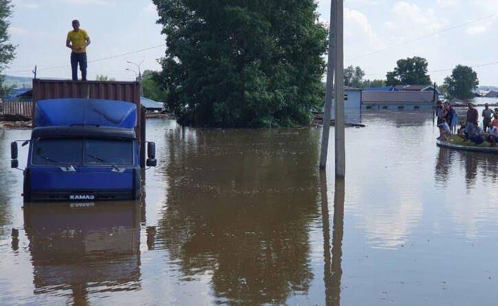 سیل روسیه 2 - تصاویر/ جاری شدن سیلاب ها در مناطقی از روسیه