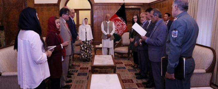 اشرف غنی البرتو کایرو - اعطای تابعیت افتخاری افغانستان به رییس بخش فزیوتراپی صلیب سرخ