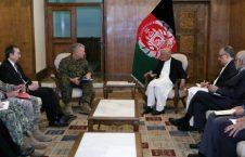 اشرف غنی مک کینزی 226x145 - بررسی امنیت انتخابات در دیدار رییسجمهور غنی با جنرال مک کینزی