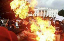 امریکا بیرق 226x145 - تصویر/ معترضان بیرق امریکا را مقابل ارگ سفید آتش زدند
