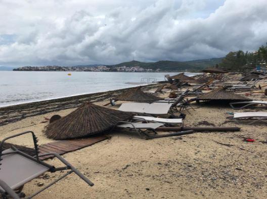 توفان یونان - تصاویر/ 100 کشته و زخمی در نتیجه وقوع توفان در یونان