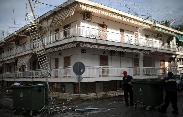 توفان یونان5 - تصاویر/ 100 کشته و زخمی در نتیجه وقوع توفان در یونان