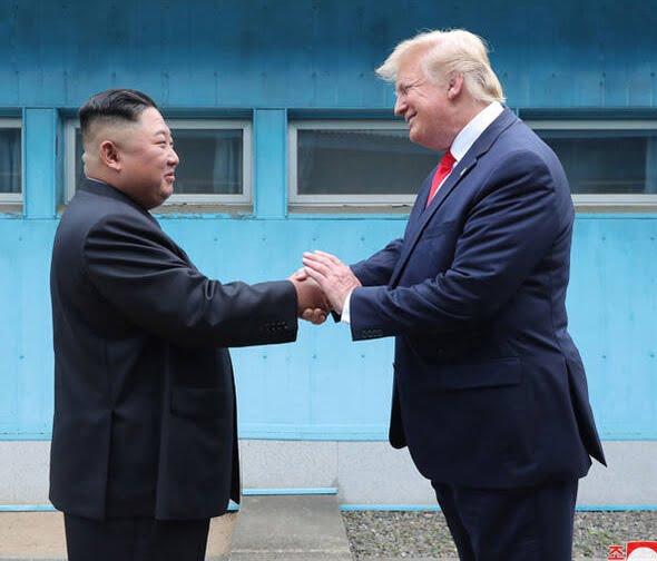 دونالد ترمپ کیم جونگ اون 2 - تصاویر/ دیدار رییسجمهوری امریکا با رهبر کوریای شمالی