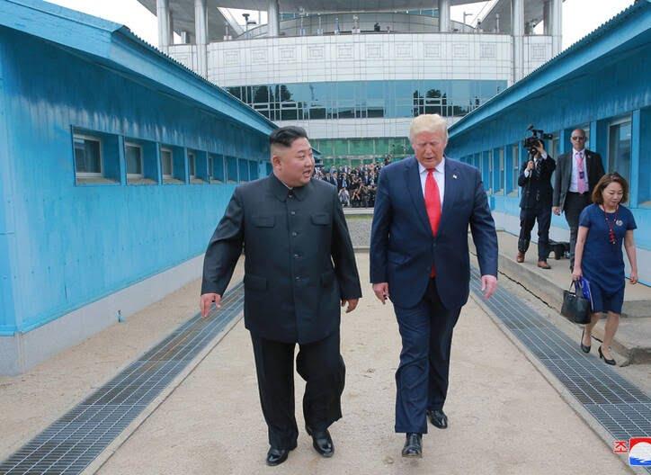 دونالد ترمپ کیم جونگ اون 6 - تصاویر/ دیدار رییسجمهوری امریکا با رهبر کوریای شمالی