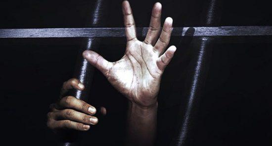شکنجه 550x295 - شکنجه و سرکوب شدید زندانیان در زندانهای بحرین