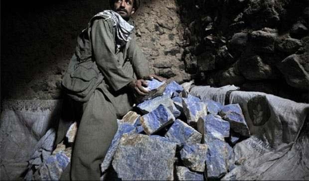 لاجورد - یارگیری طالبان برای غارت معادن لاجورد بدخشان