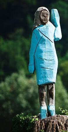 مجسمه ملانیا ترمپ 2 - تصاویر/ مجسمه ای عجیب از ملانیا ترمپ