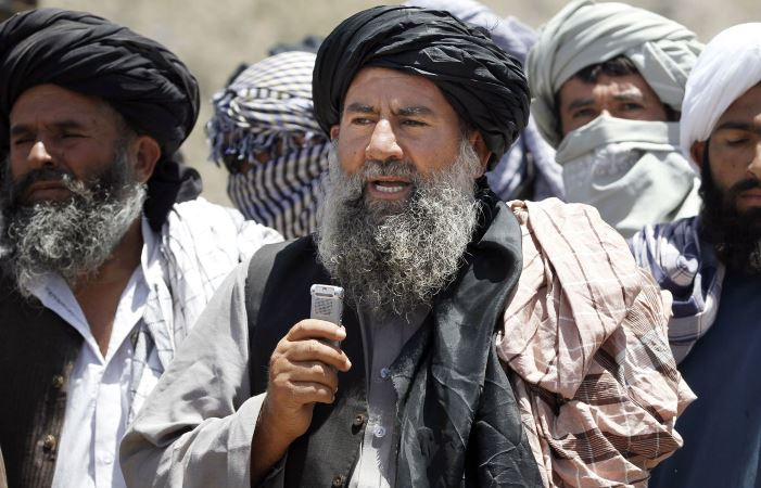 ملامنان نیازی - مخالفت ملامنان نیازی با گفتگوهای صلح میان نماینده گان طالبان و امریکایی ها
