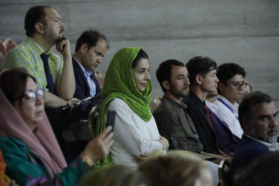 نمایشگاه چادری مقابل لنگی 14 - تصاویر/ برگزاری نمایشگاه جنجالی چادری مقابل لنگی در کابل
