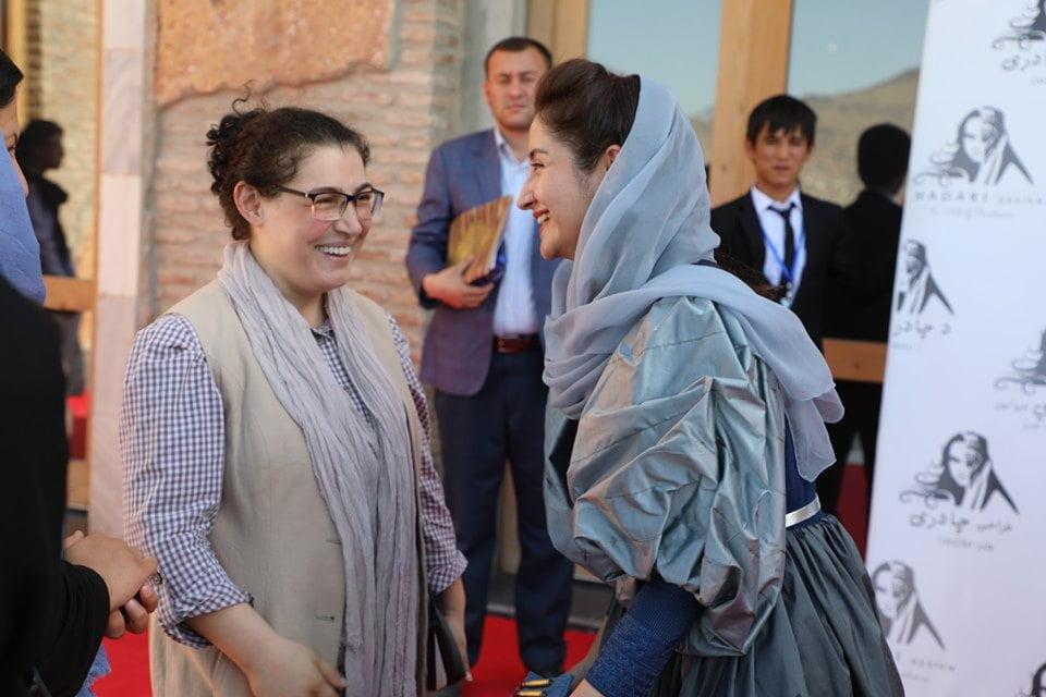 نمایشگاه چادری مقابل لنگی 27 - تصاویر/ برگزاری نمایشگاه جنجالی چادری مقابل لنگی در کابل