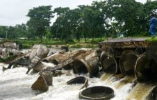 هند سیلاب 2 226x145 - تصاویری از سیلاب های شدید در هند