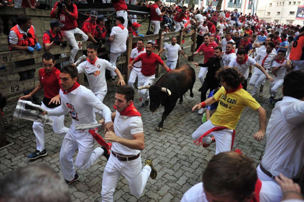 گاوبازی10 1024x682 - تصاویر/ جشنواره خونین گاوبازی در هسپانیا