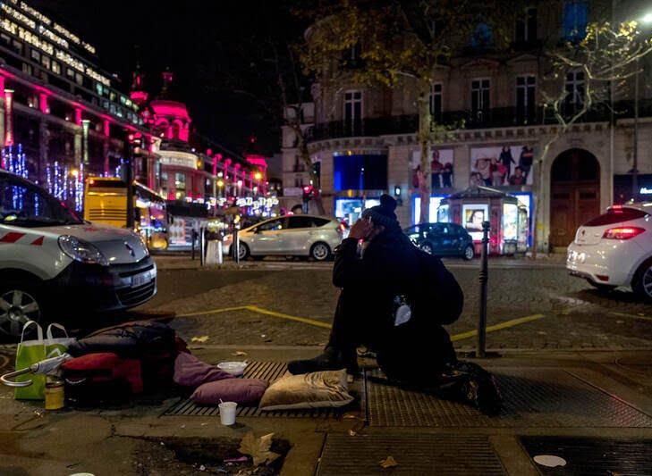 بی خانمان فرانسه 5 - فرانسه؛ قبرستان بی خانمان ها + تصاویر