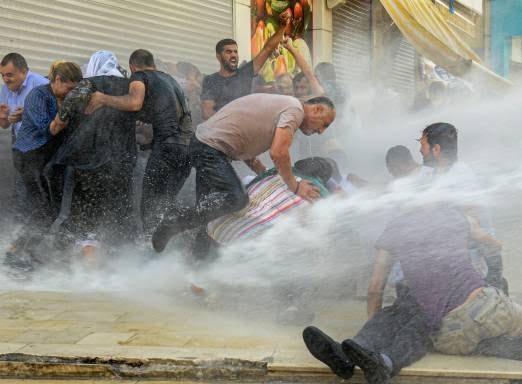 ترکیه مظاهره 10 - تصاویر/ سرکوب شدید معترضان در ترکیه
