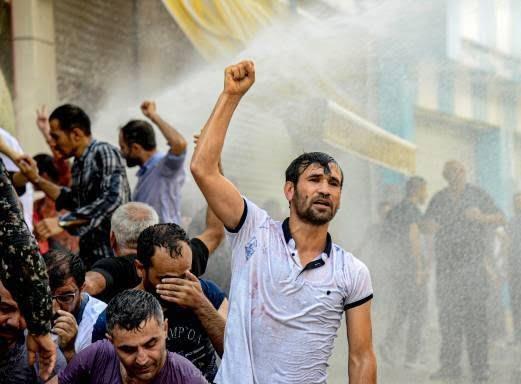 ترکیه مظاهره 11 - تصاویر/ سرکوب شدید معترضان در ترکیه