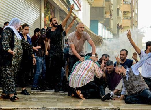ترکیه مظاهره 7 - تصاویر/ سرکوب شدید معترضان در ترکیه
