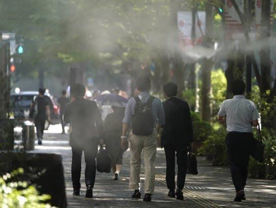 جاپان گرما 6 - تصاویر/ تلفات باشنده گان جاپان بر اثر گرما