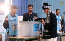 اشرف غنی 3 226x145 - تصاویر/ حضور نامزدان انتخابات ریاست جمهوری در پای صندوق های رای