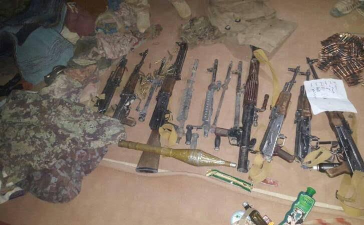 انبارمهمات طالبان 2 - تصاویری از انهدام بزرگترین انبار مهمات طالبان در غزنی