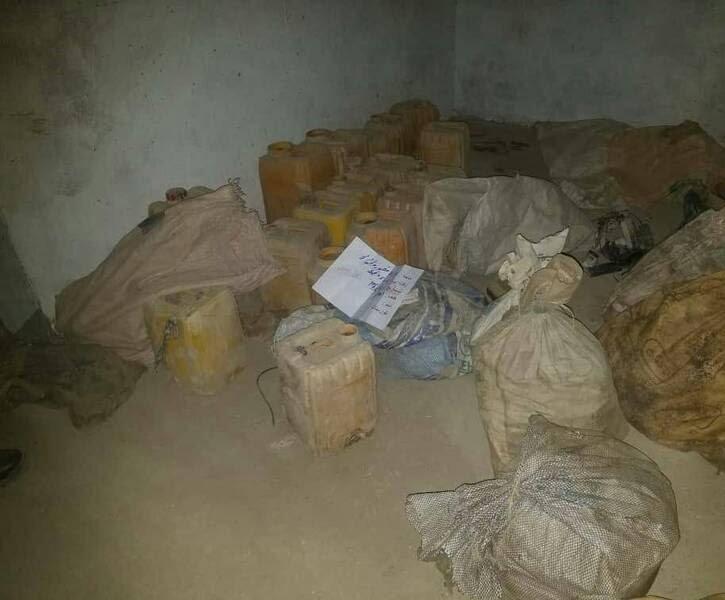 انبارمهمات طالبان 4 - تصاویری از انهدام بزرگترین انبار مهمات طالبان در غزنی