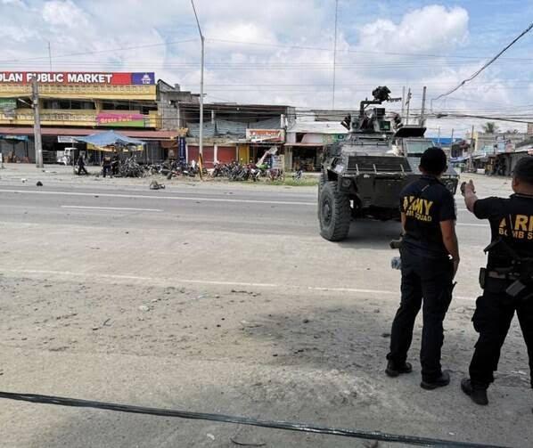 انفجار فیلیپین 5 - تصاویر/ وقوع یک انفجار خونین در فیلیپین