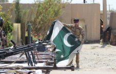 بیرق پاکستان  226x145 - ضبط اسلحه روسی و ایرانی و بیرق پاکستان از نزد طالبان در هلمند