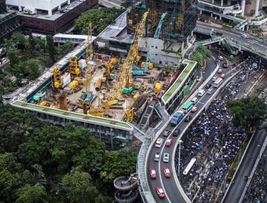 تظاهرات در هانگکانگ 1 - تصاویر/ تظاهرات در هانگکانگ با بیرق امریکا