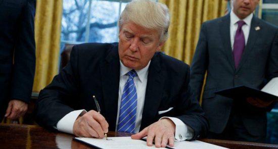 دونالد ترمپ 550x295 - دستور دونالد ترمپ برای خروج نظامیان امریکایی از افغانستان و عراق