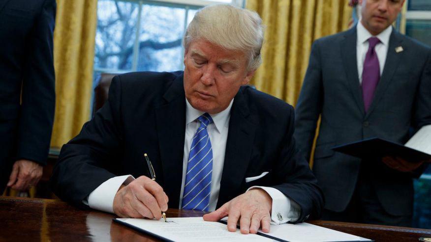دونالد ترمپ - اعتراض نماینده گان امریکایی به اقدام اخیر ترمپ علیه مهاجرین