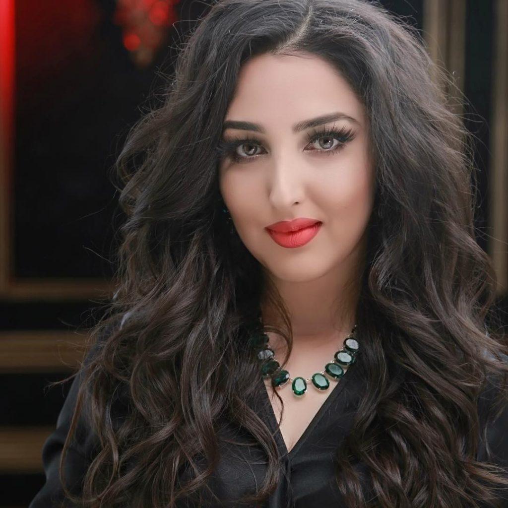 سیتا قاسمی 1024x1024 - کمک صد هزار دالری خواننده زن مشهور به دختران افغان