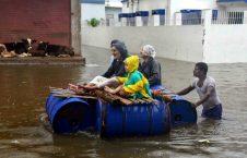 سیلاب در هند 1 226x145 - تصاویر/ جاری شدن سیلاب ها در هند ۱۱۰ قربانی گرفت