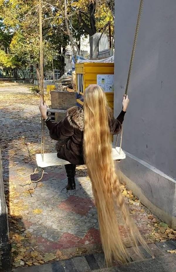 آلنا کراوچنکو1 - تصاویر/ این دختر زیبا 28 سال موهایش را کوتاه نکرده است!