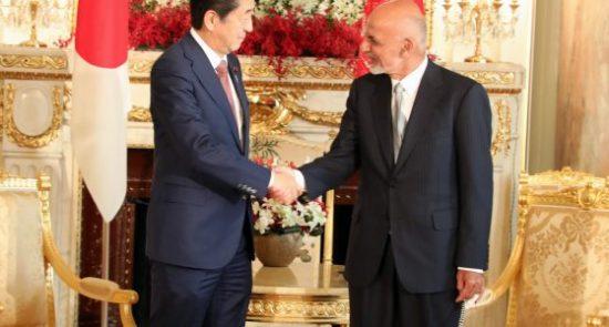 اشرف غنی شینزو آبه 550x295 - دیدار رییس جمهور غنی با صدراعظم جاپان