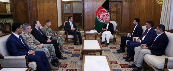 اشرف غنی مارک اسپر - دیدار رییس جمهور غنی با وزیر دفاع ایالات متحدۀ امریکا