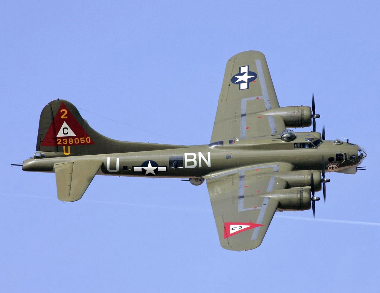 بی 17 - سقوط یک طیاره بم افکن در امریکا