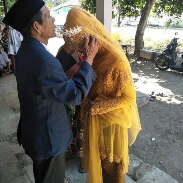 عروس و داماد2 - دخترجوانی که عاشق پیرمرد 83 ساله شد