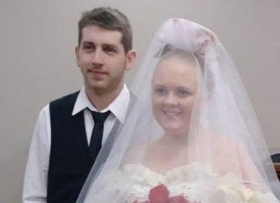 عروس و داماد3 1 406x295 - ازدواجی که فقط 5 دقیقه طول کشید
