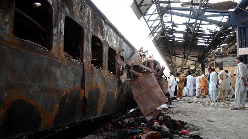 قطار پاکستان - قطار مرگ در پاکستان جان دهها تن را گرفت