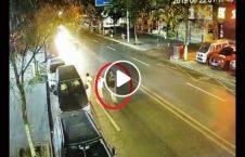 ویدیو حادثه مرگبار سرک 226x145 - ویدیو/ حادثه مرگبار بدلیل راه رفتن در سرک