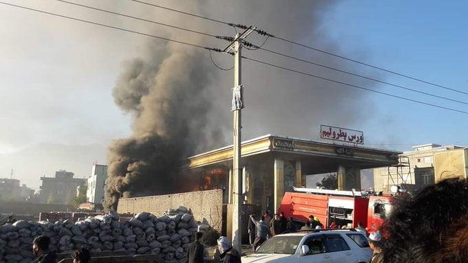 آتش سوزی کابل 3 - تصاویر/ آتش سوزی تانک تیل ورس پترولیم در غرب شهر کابل