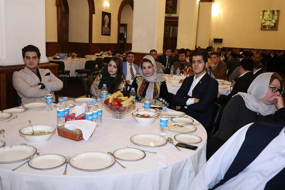 اشرف غنی ولسی جرگه 3 - تصاویر/ ضیافت شام رییس جمهور غنی با اعضای ولسی جرگه