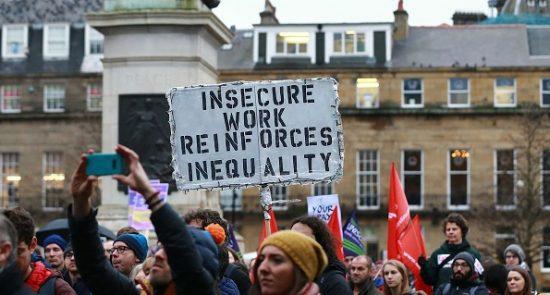 بریتانیا استاد 550x295 - اعتصاب کاری استادان و کارکنان پوهنتونهای بریتانیا