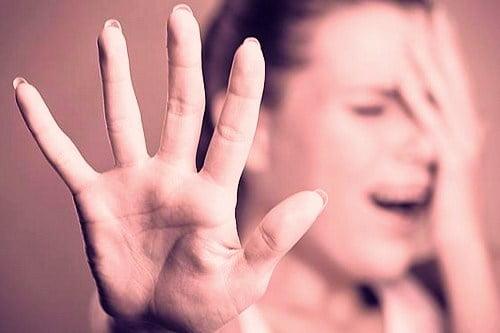جنسی 1 - آزار جنسی و برهنه کردن دختران نوجوان توسط پولیس آسترالیا + تصاویر