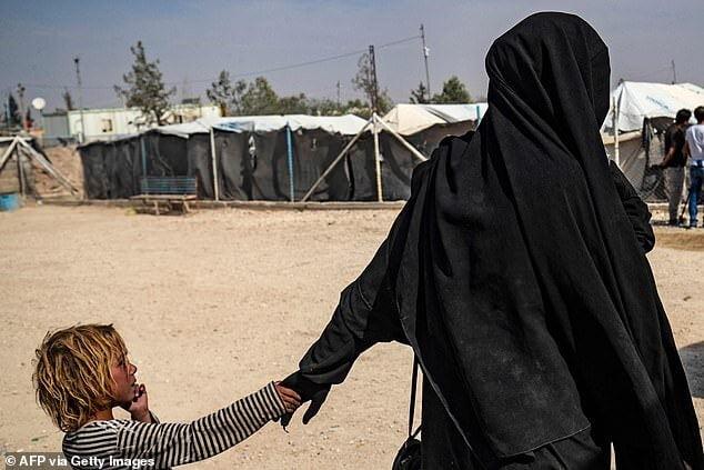 داعش 1 - تصاویر/ اردوگاه عروسهای داعش در سوریه