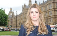 زن 226x145 - سوء استفاده جنسی از نماینده گان زن پارلمان بریتانیا