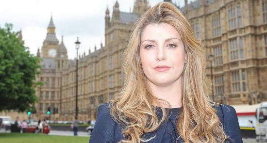 زن 550x295 - سوء استفاده جنسی از نماینده گان زن پارلمان بریتانیا