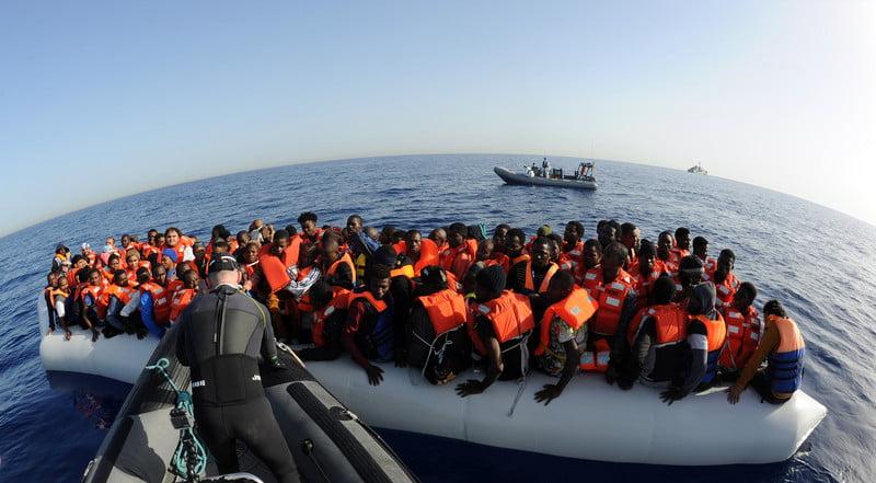 مهاجر 1 - نجات ۱۰۷ مهاجر غیرقانونی توسط قوای بحری لیبیا