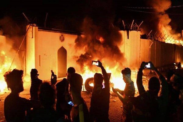 نجف ایران - قونسلگری ایران در شهر نجف به آتش کشیده شد