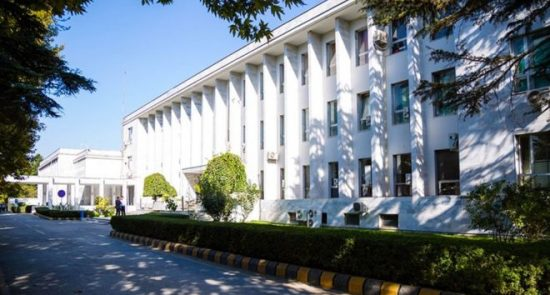 وزارت امور خارجه 550x295 - واکنش وزارت امور خارجه به حادثه غرق شدن یک تن از محصلین افغان در هند
